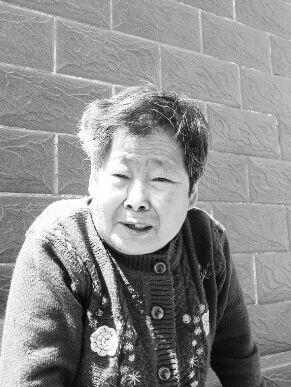 老太苦等初恋60年守承诺【十大感人爱情故事】
