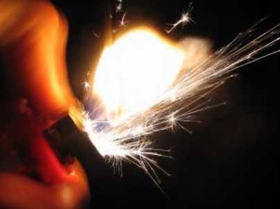 商帝国商学院_商帝国网-《打火机》,本月最佳夫妻斗智微小说,男女必读