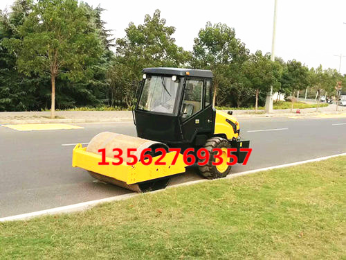 座驾式6吨轧道机 驾驶型回填土压路机狭窄场所的精灵小挖机