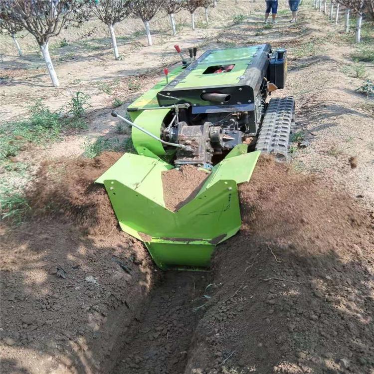 开沟施肥机欧科自走式旋土机价格履带式开沟施肥机