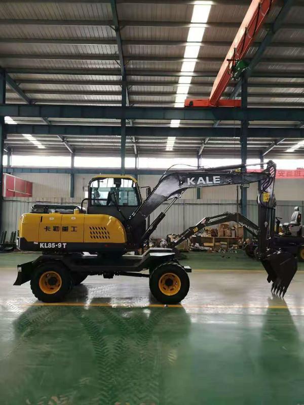 卡勒重工轮式挖掘机四缸小挖机山东轮式挖掘机精品轮式挖掘机